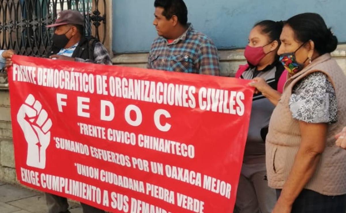 Protestan organizaciones civiles en Casa de Gobierno de Oaxaca, exigen apoyos para viviendas