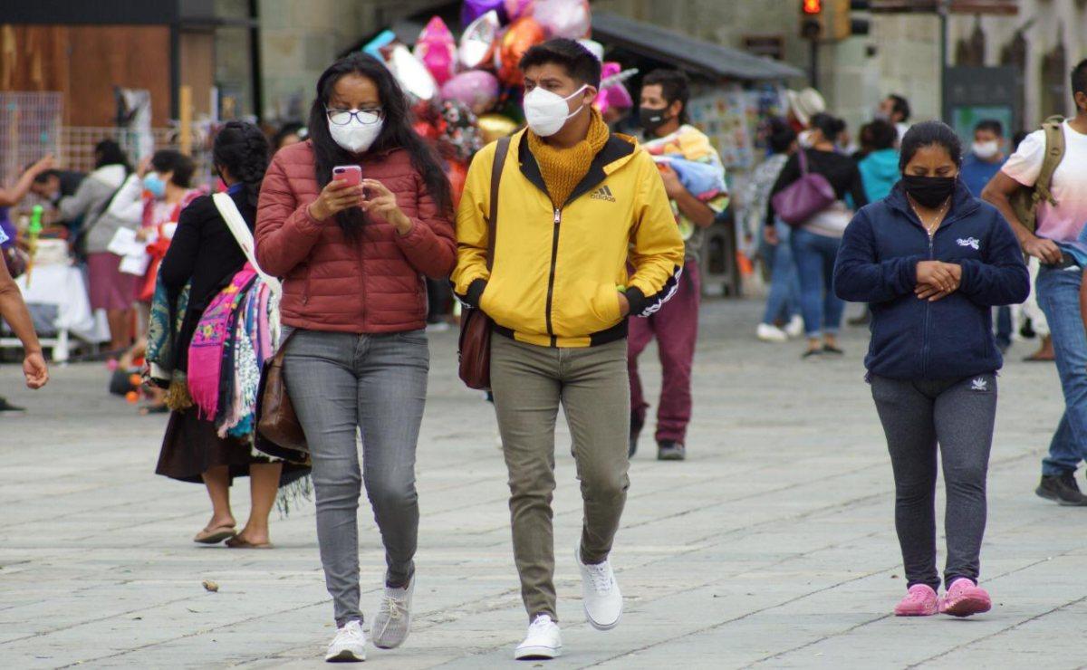 Casi 5 mil oaxaqueños han sido hospitalizados por Covid; 8 de cada 10 enfrenta la enfermedad en casa