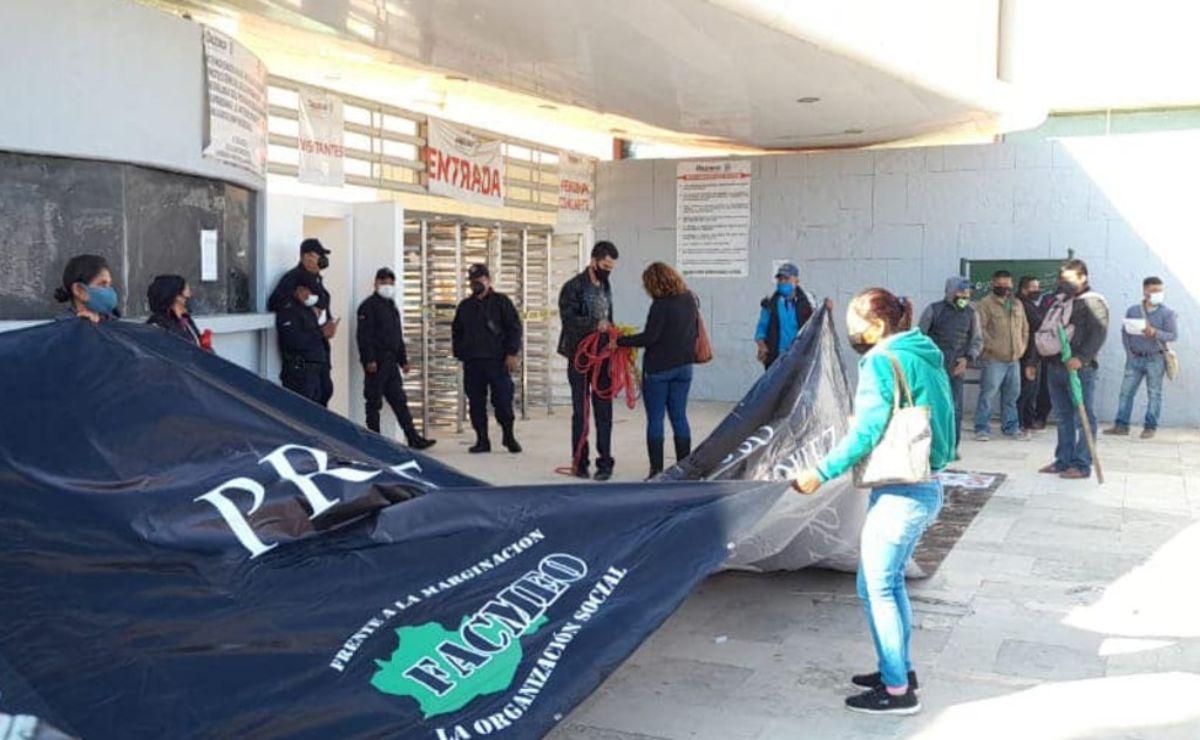 Con protesta, Frente de Comunidades Marginadas exige justicia por profesor asesinado hace 9 años