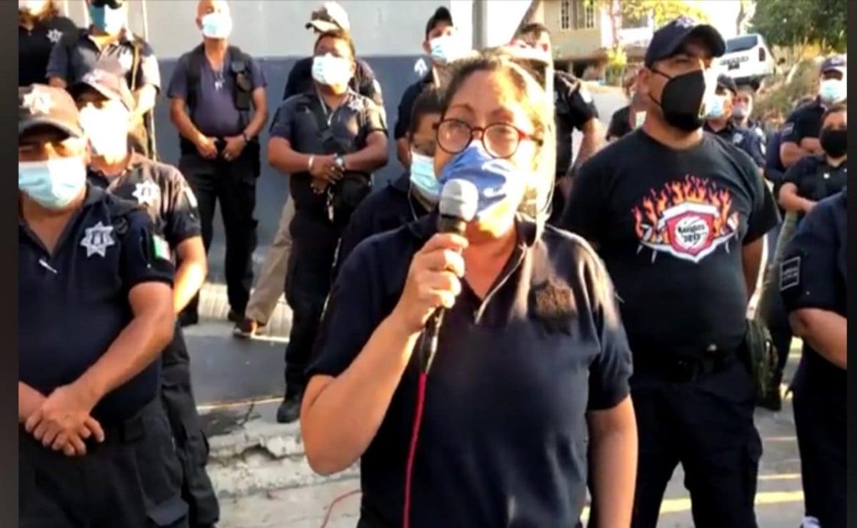 Cumplen cuatro días en paro de labores los 211 policías municipales del puerto de Salina Cruz