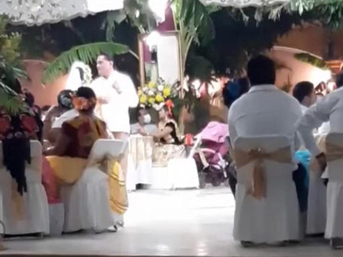 Señalan a edil de Tehuantepec por boda de su hermana con regidor de Turismo; hubo 300 invitados