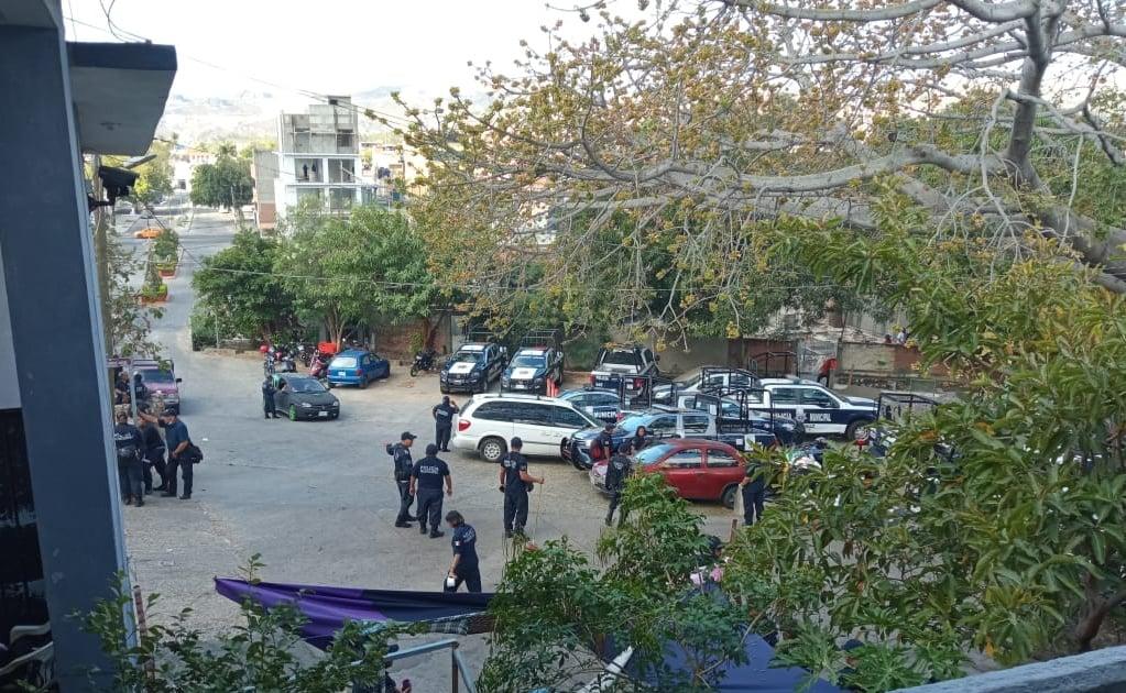 Denuncian falta de pago a 180 policías de Salina Cruz que mantienen protesta por casi dos semanas