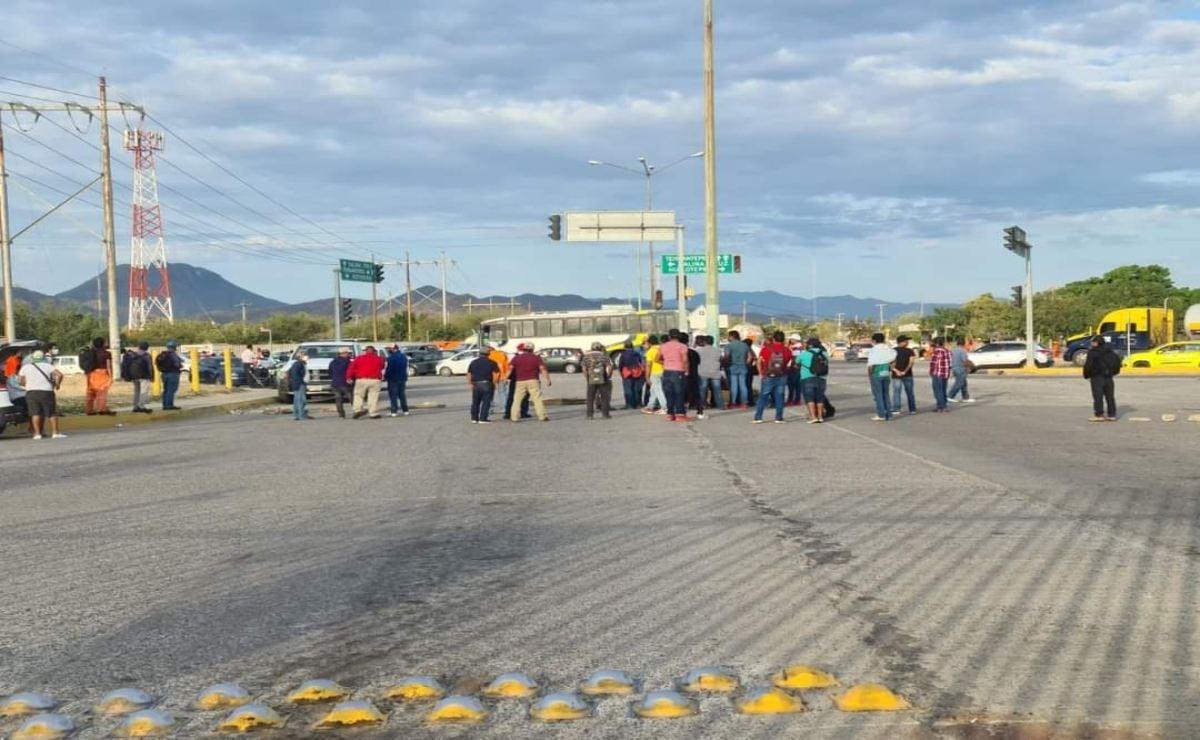 Suman 5 días bloqueados accesos a refinería de Salina Cruz por empleados subcontratados