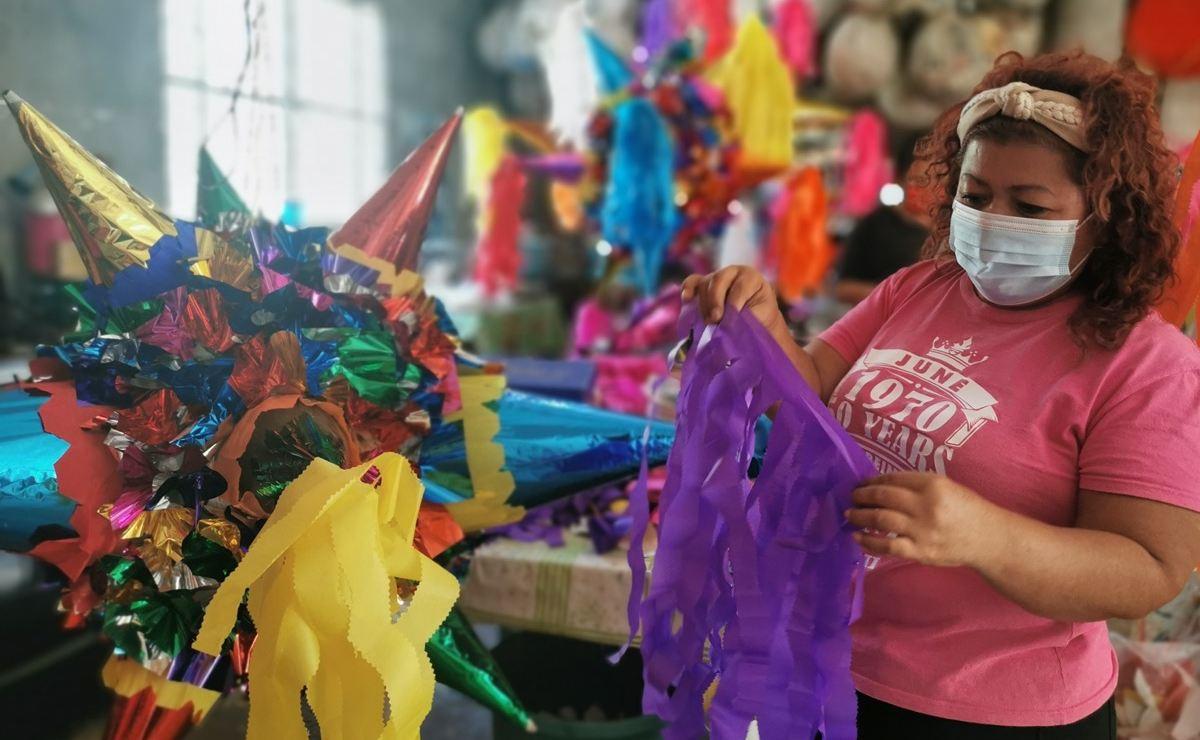 Con figuras para adultos y hasta de coronavirus, piñateros resisten la crisis en Juchitán