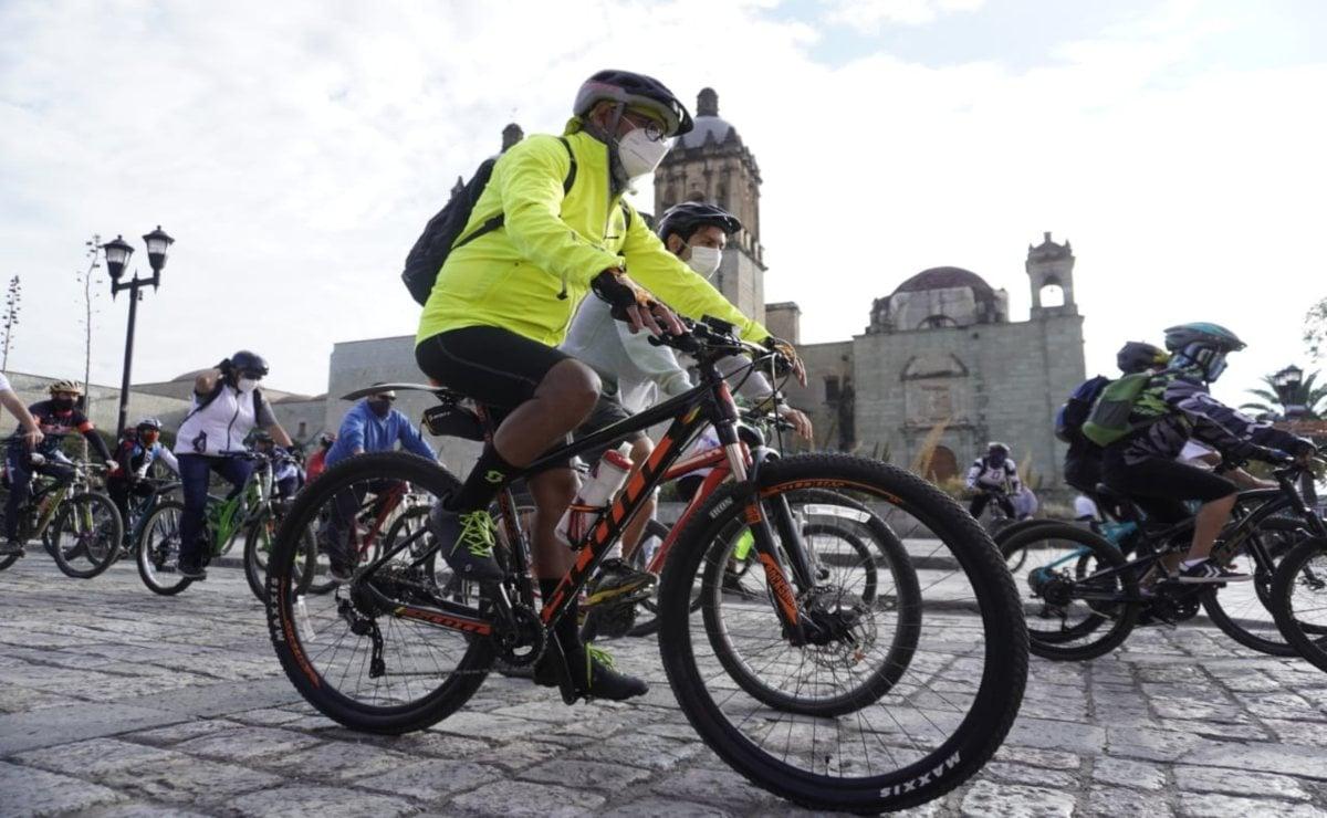 Con rodada, ciclistas de Oaxaca exigen Ley de Movilidad y justicia para Gabriela