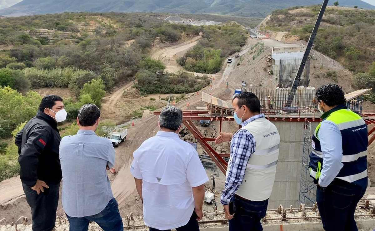 Supervisan Segego y 4T obras en autopistas al Istmo y la Costa