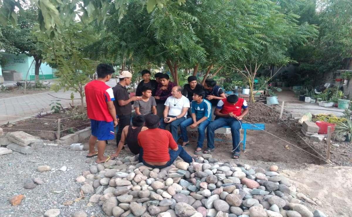 Aguardan 120 niños regularizar su situación migratoria en Oaxaca; Biden, la esperanza: Solalinde