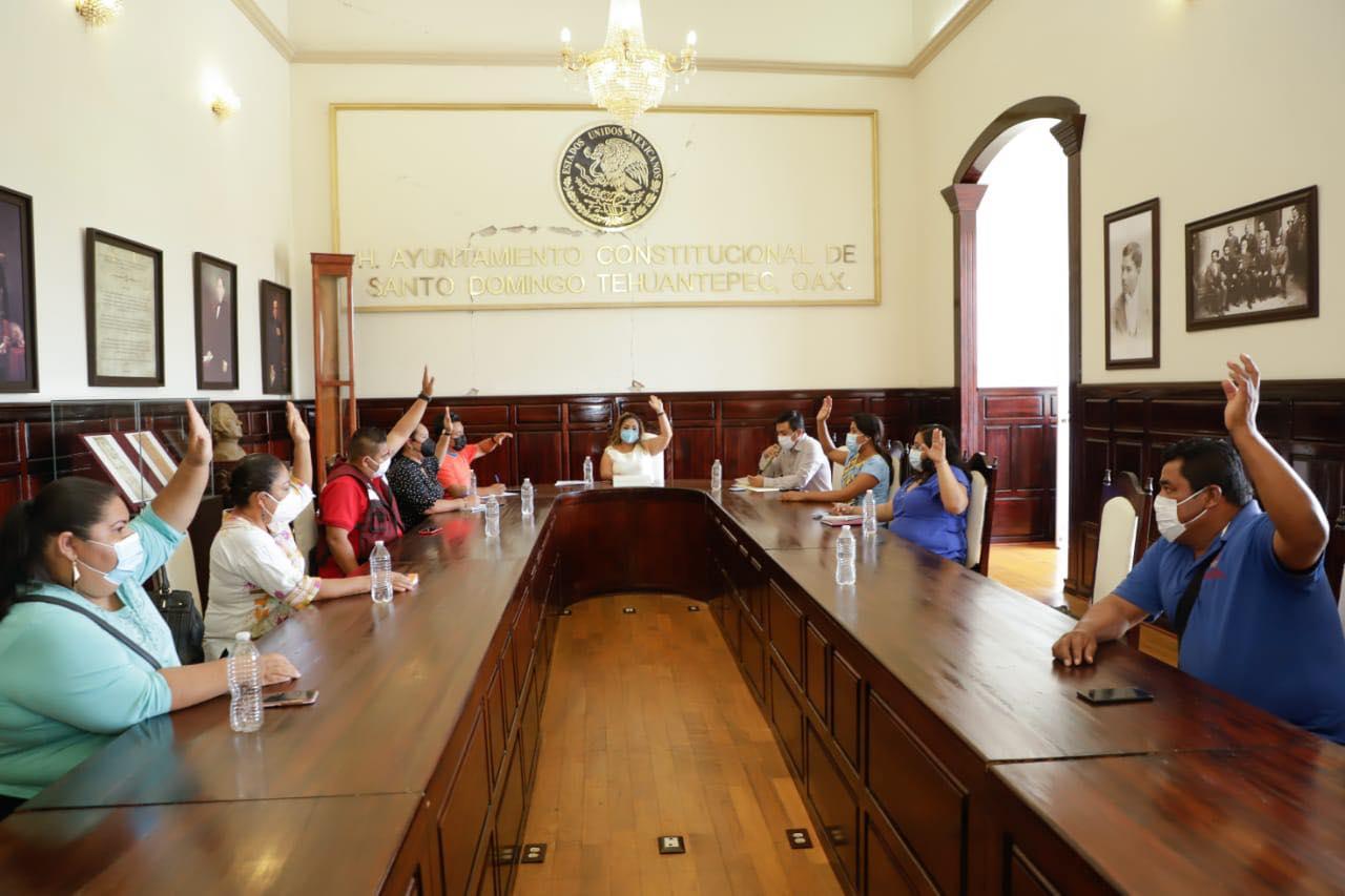 Se suma Tehuantepec a cierre de comercios, como medida para reducir casos de Covid-19 en el Istmo