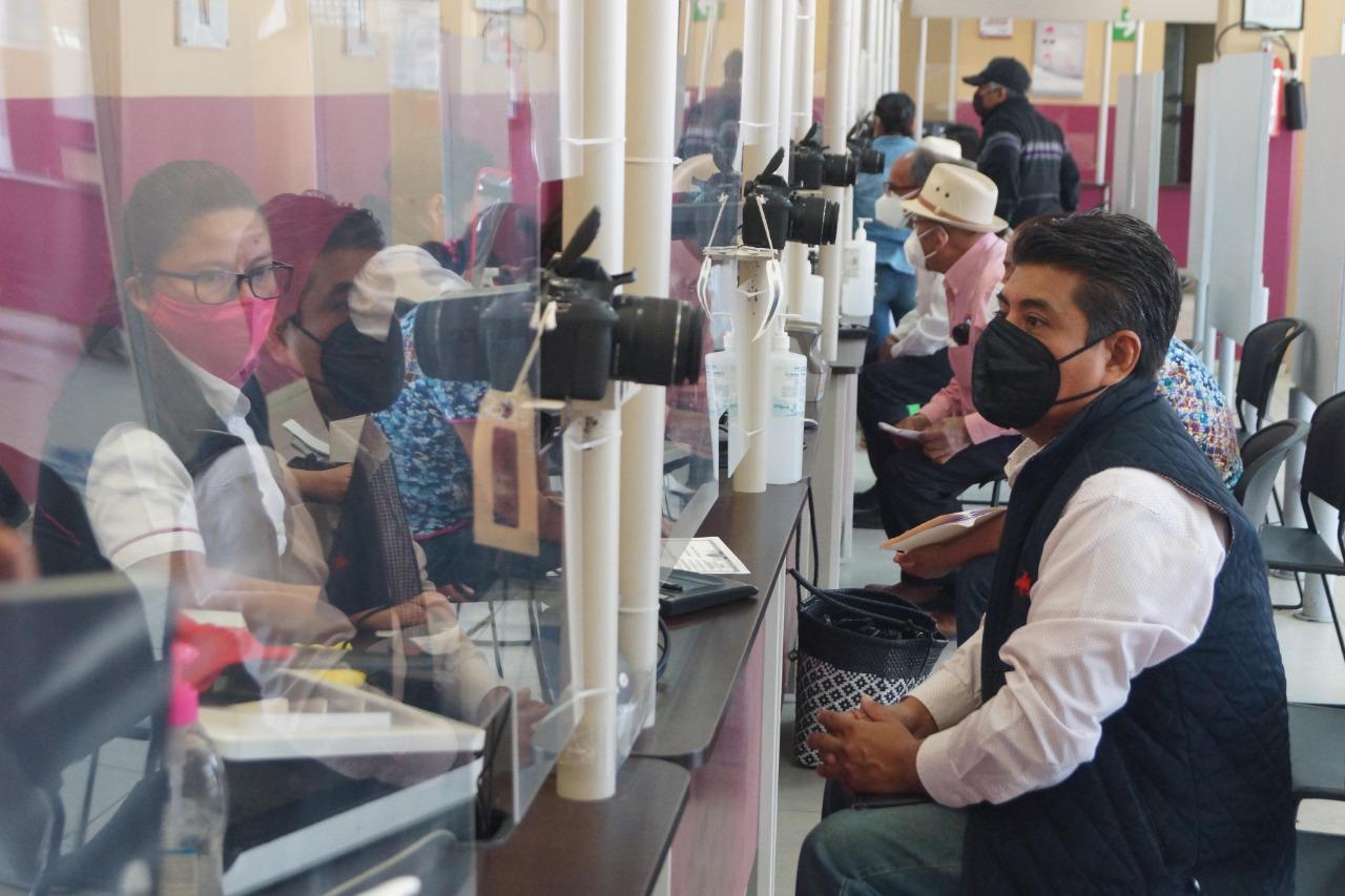 Pese a pandemia, casi 500 oaxaqueños han acudido diario al INE por su credencial para votar
