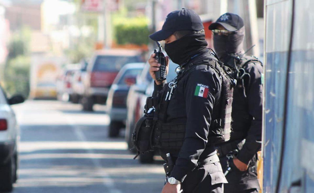 Detienen a dos policías de Oaxaca de Juárez por presunto robo con violencia a un comerciante
