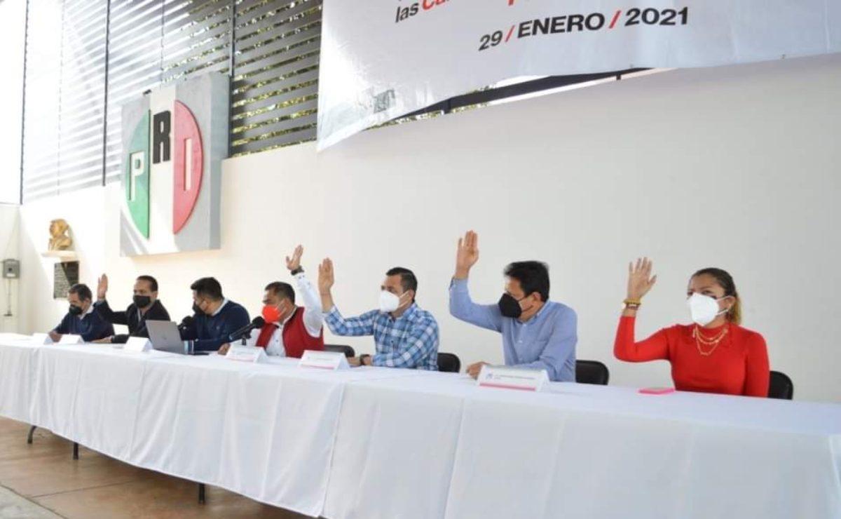 Reciclaje de personajes y viejos cuadros, la apuesta del PRI en Oaxaca para diputados federales