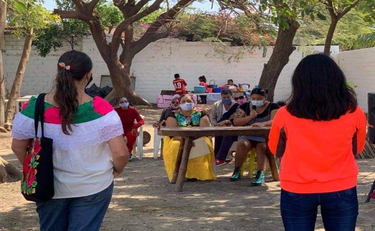 Promueven el zapoteco con un  tianguis del maíz en Unión Hidalgo, en el Día de la Lengua Materna