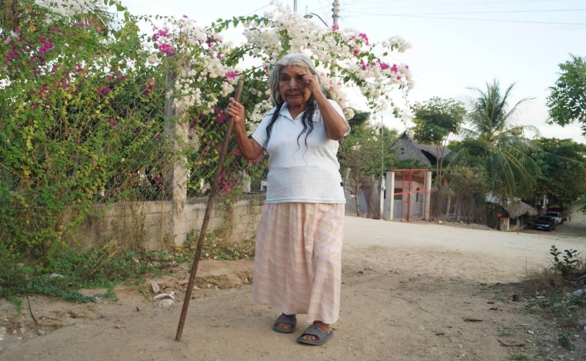 Sin registro ni censo para vacuna Covid, a ancianos de la Costa de Oaxaca sólo les queda la esperanza