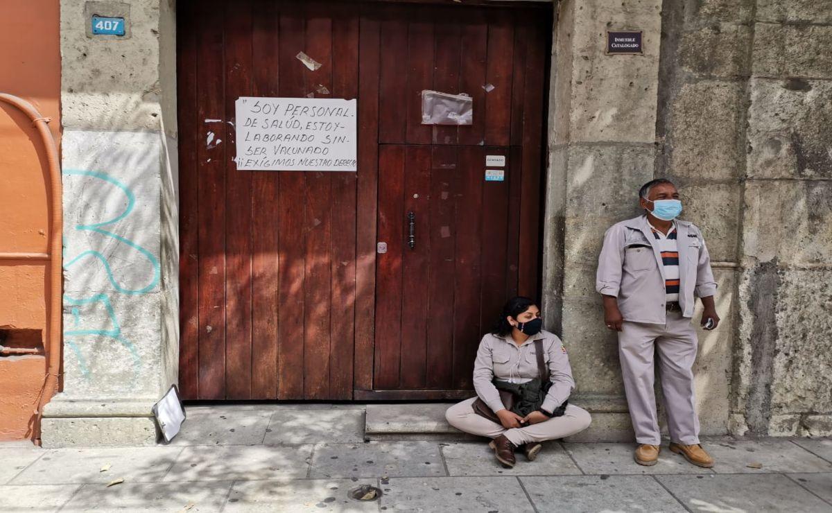 Protesta personal de Vectores de los SSO, exigen vacuna anti Covid a más de 800 trabajadores