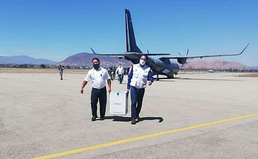 Llega a Oaxaca nueva remesa con 11 mil 700 vacunas contra Covid-19