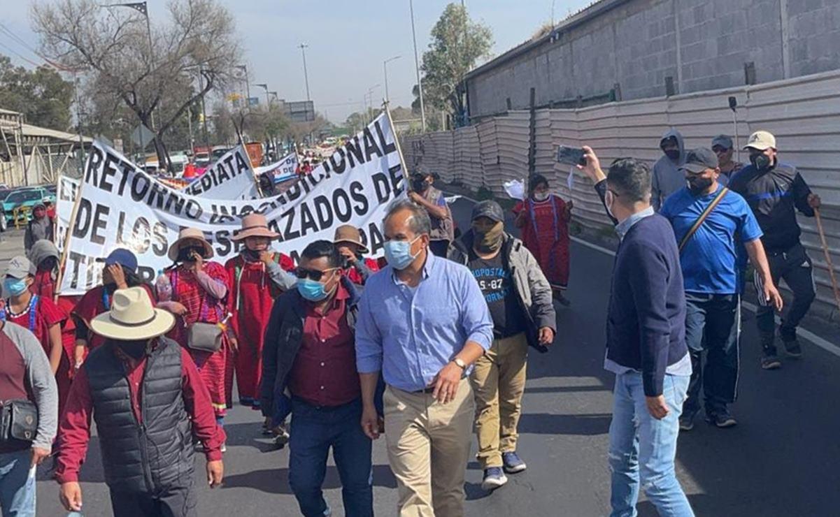 Llega caravana del pueblo Triqui de Oaxaca a la CDMX; se instalarán frente a Palacio Nacional