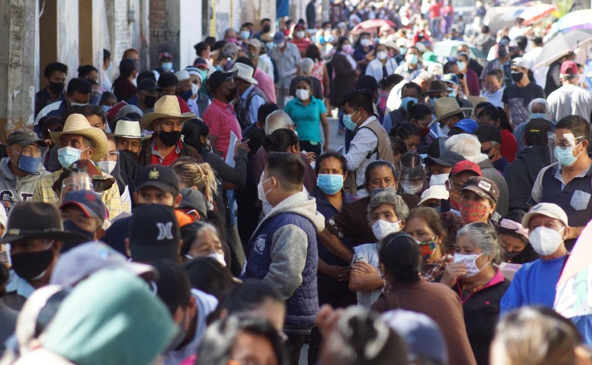 Pese a vivir en San Antonio de la Cal, niegan vacunación Covid-19 a ancianos sin INE del municipio