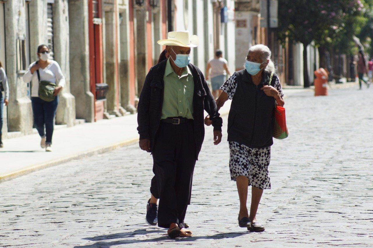 Hay 952 casos activos de Covid-19 en Oaxaca; reportan 17 hospitales saturados