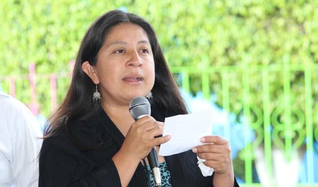 """Exhiben a funcionaria de Oaxaca por """"apartar"""" vacunas para Servidores de la Nación"""