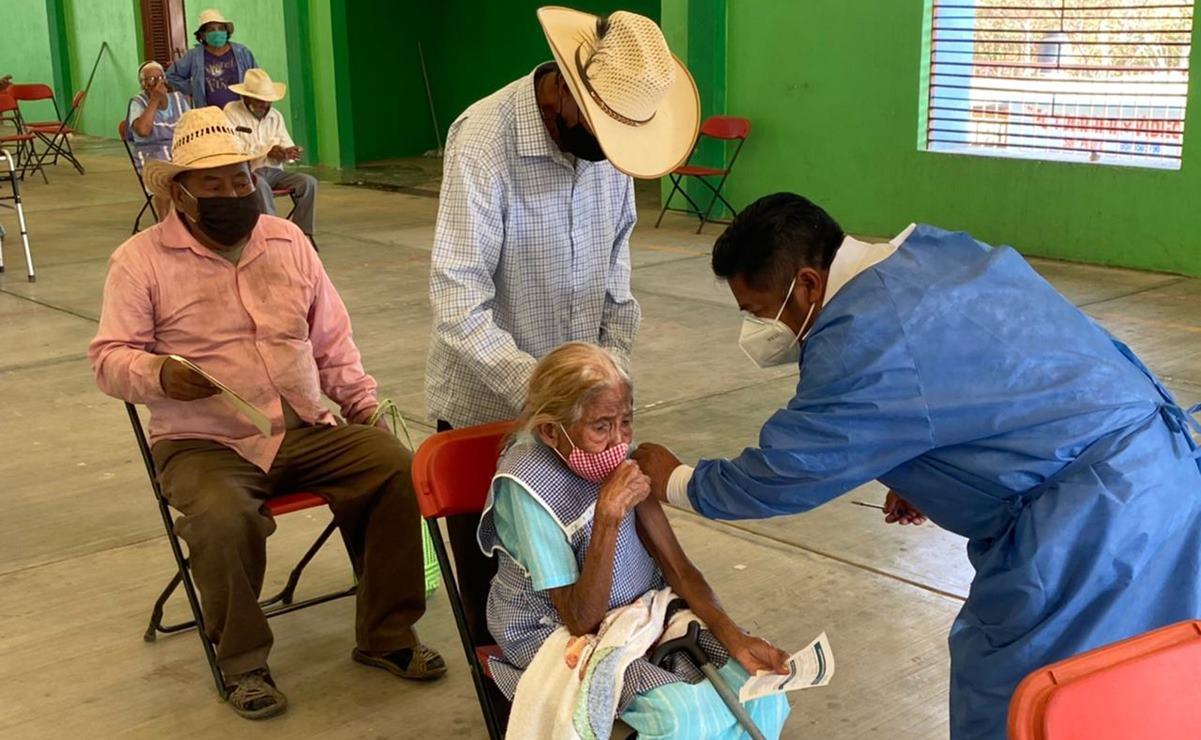 Llegan de otros municipios de Oaxaca a vacunarse contra Covid a San Pedro Ixtlahuaca, sobraron dosis