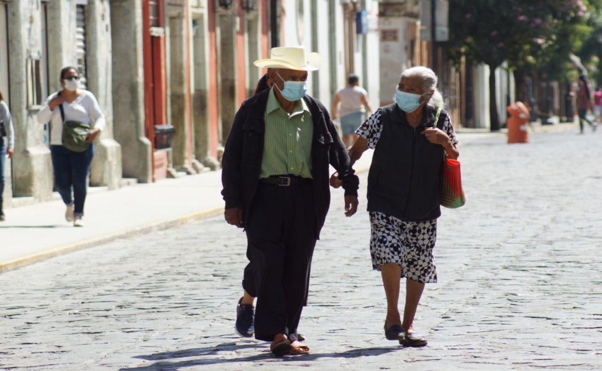 En un año de pandemia han muerto 3 mil 56 oaxaqueños, y más de 38 mil se han recuperado