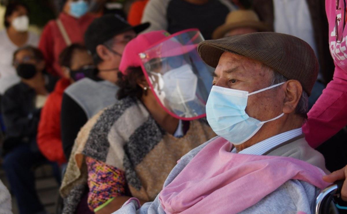 """""""Ya no había dosis, no voy a regresar""""; adultos mayores de Oaxaca consideran innecesario ponerse vacuna antiCovid"""