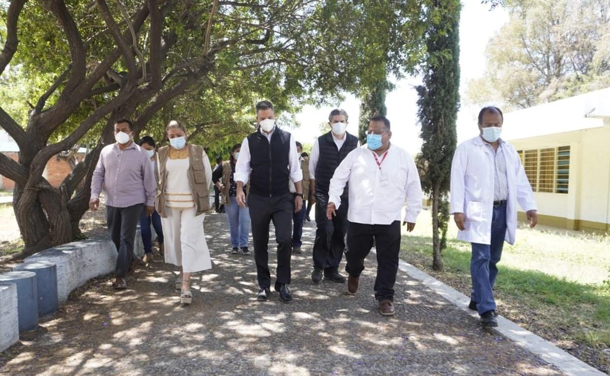 Supervisan Murat y delegada de Bienestar vacunación a adultos mayores en la capital de Oaxaca