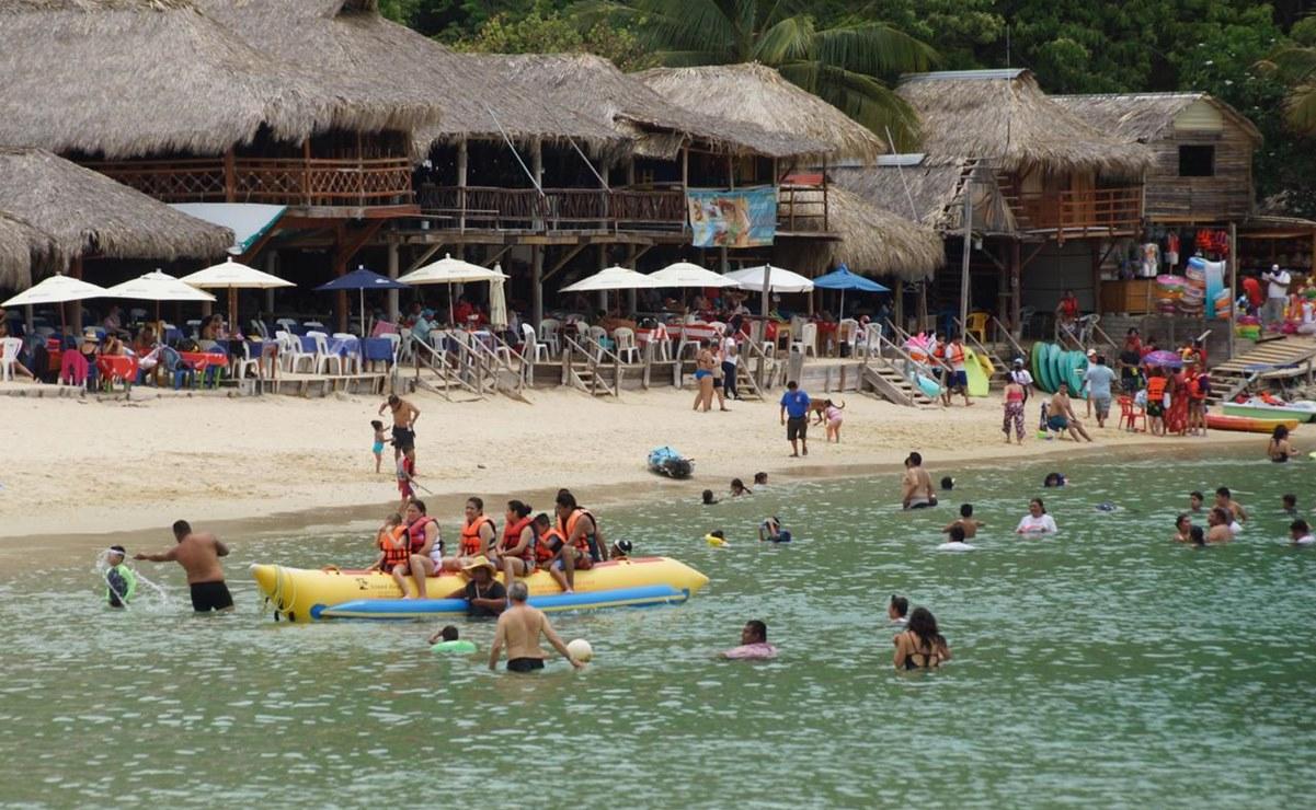Presidentes municipales decidirán sobre cierres de playas en Oaxaca en Semana Santa: Murat