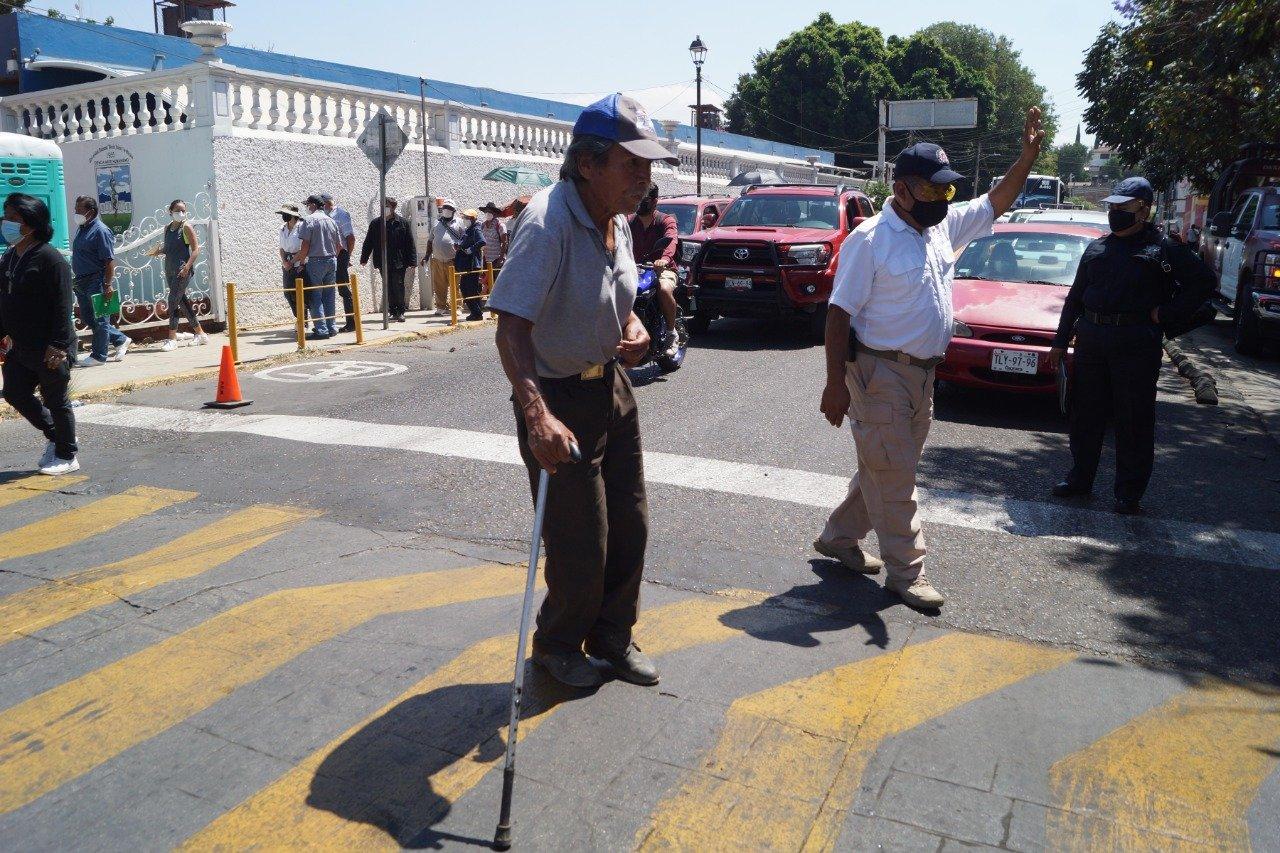 Con 99 casos en un día y después de 3 meses en naranja, Oaxaca pasa a amarillo en semáforo Covid