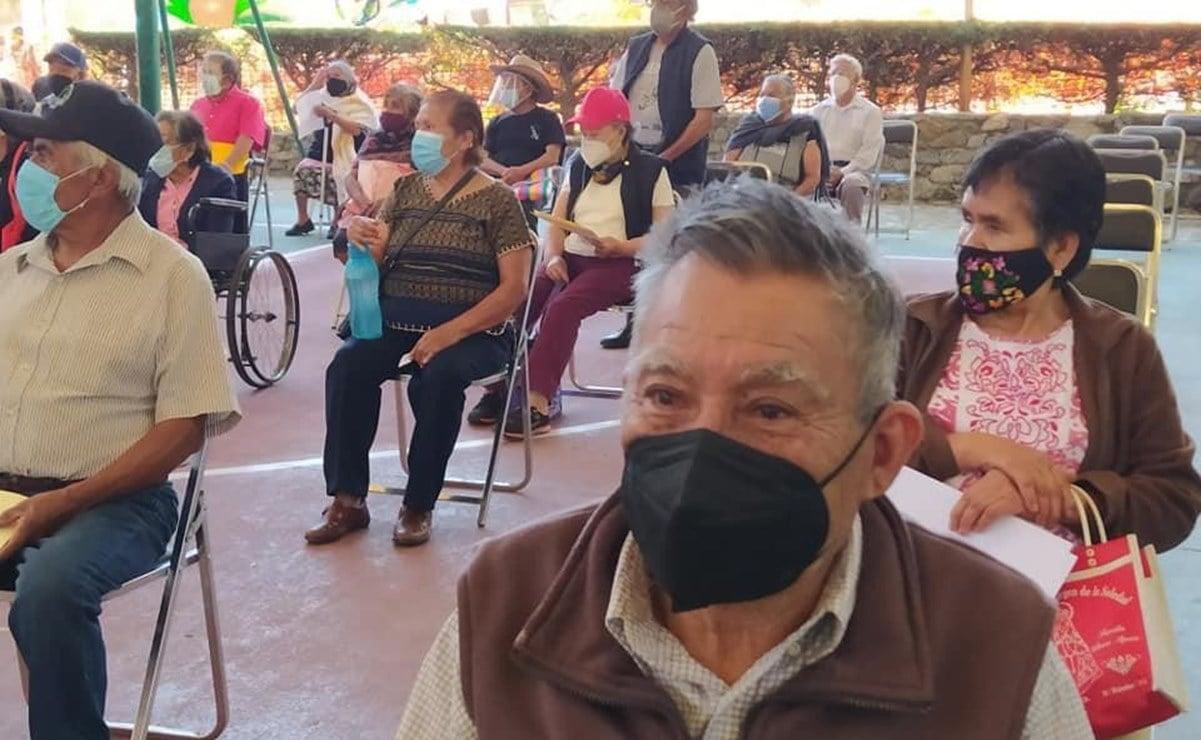 Arranca vacunación en la Sierra de Oaxaca; asignan sólo 148 dosis para adultos mayores en Ixtlán