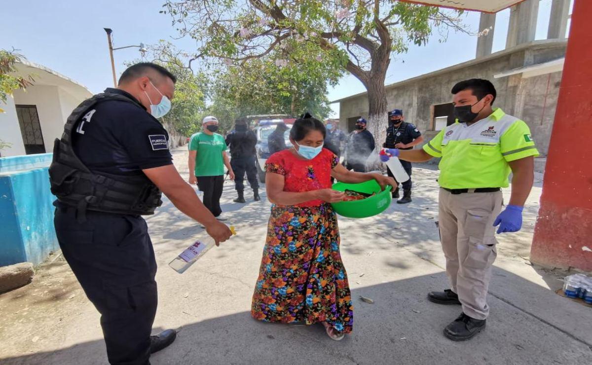 Familias zapotecas adaptan ritual: Por Covid visitan a sus muertos el Domingo de Ramos entre filtros sanitarios
