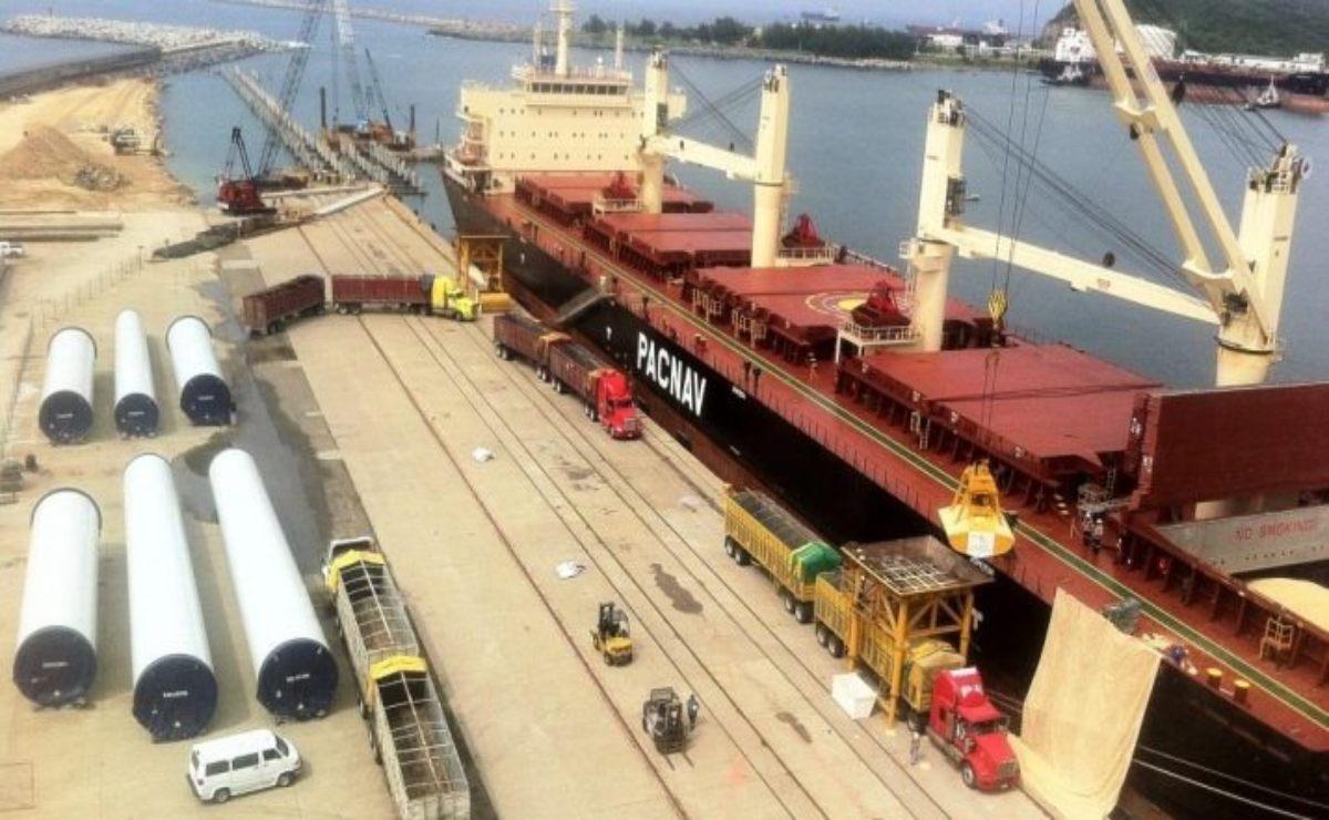 Encabeza Semarnat consulta pública de puerto petrolero-comercial de Salina Cruz, el más profundo de AL