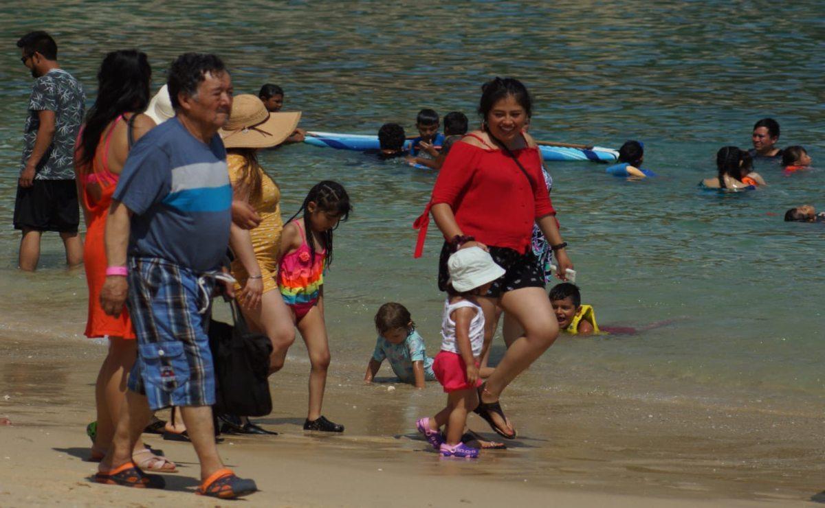 Así operan servicios turísticos en playas de Oaxaca por Semana Santa; Huatulco abre hasta el 70%