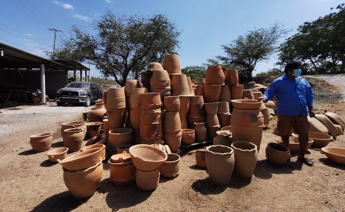 Cierre de frontera con EU frena a artesanos en Oaxaca; en Ixtaltepec apenas venden macetas