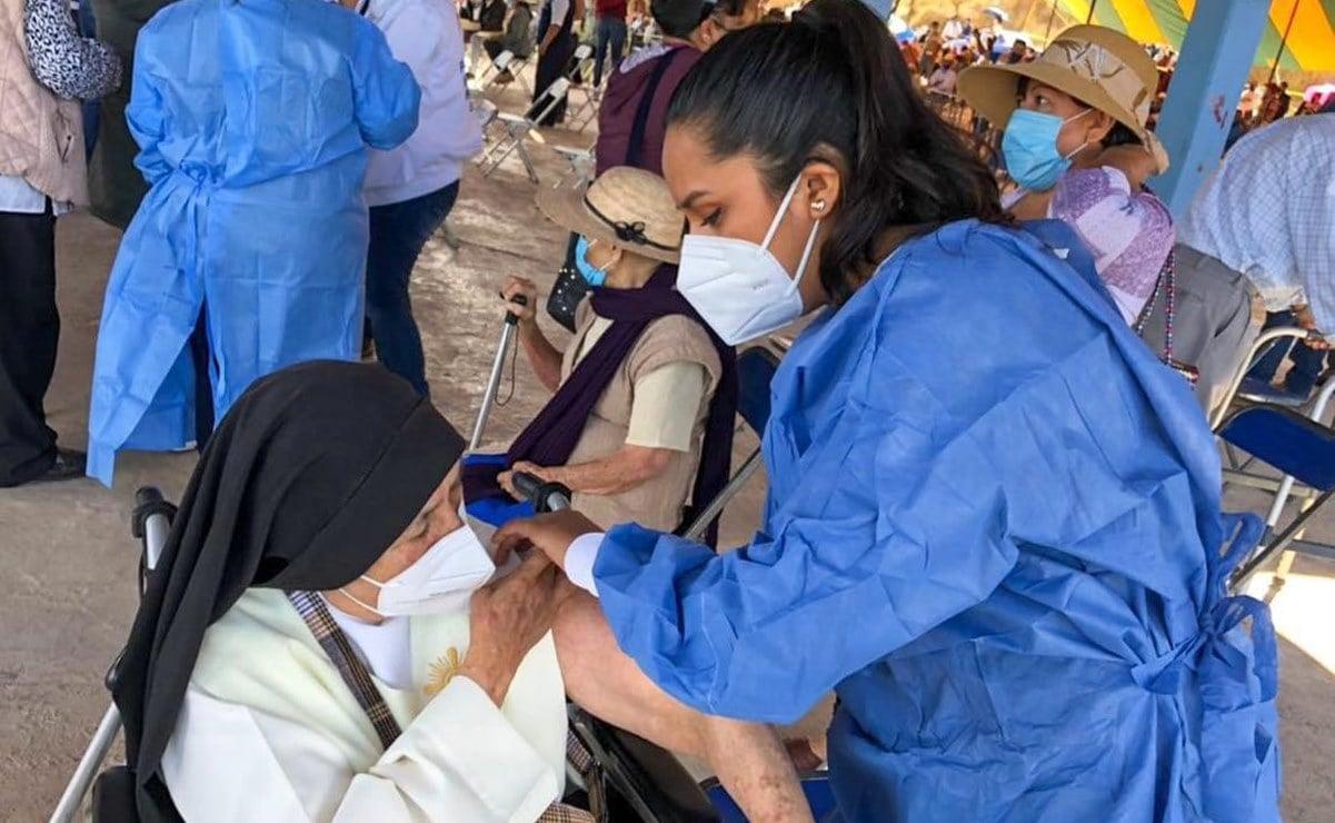 Arranca vacunación antiCovid-19 a adultos mayores de municipios de la Mixteca de Oaxaca