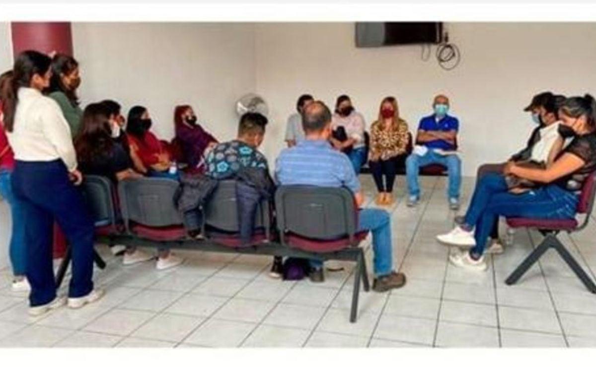 Jóvenes contratados por Morena para registro de aspirantes en Oaxaca exigen que se les pague