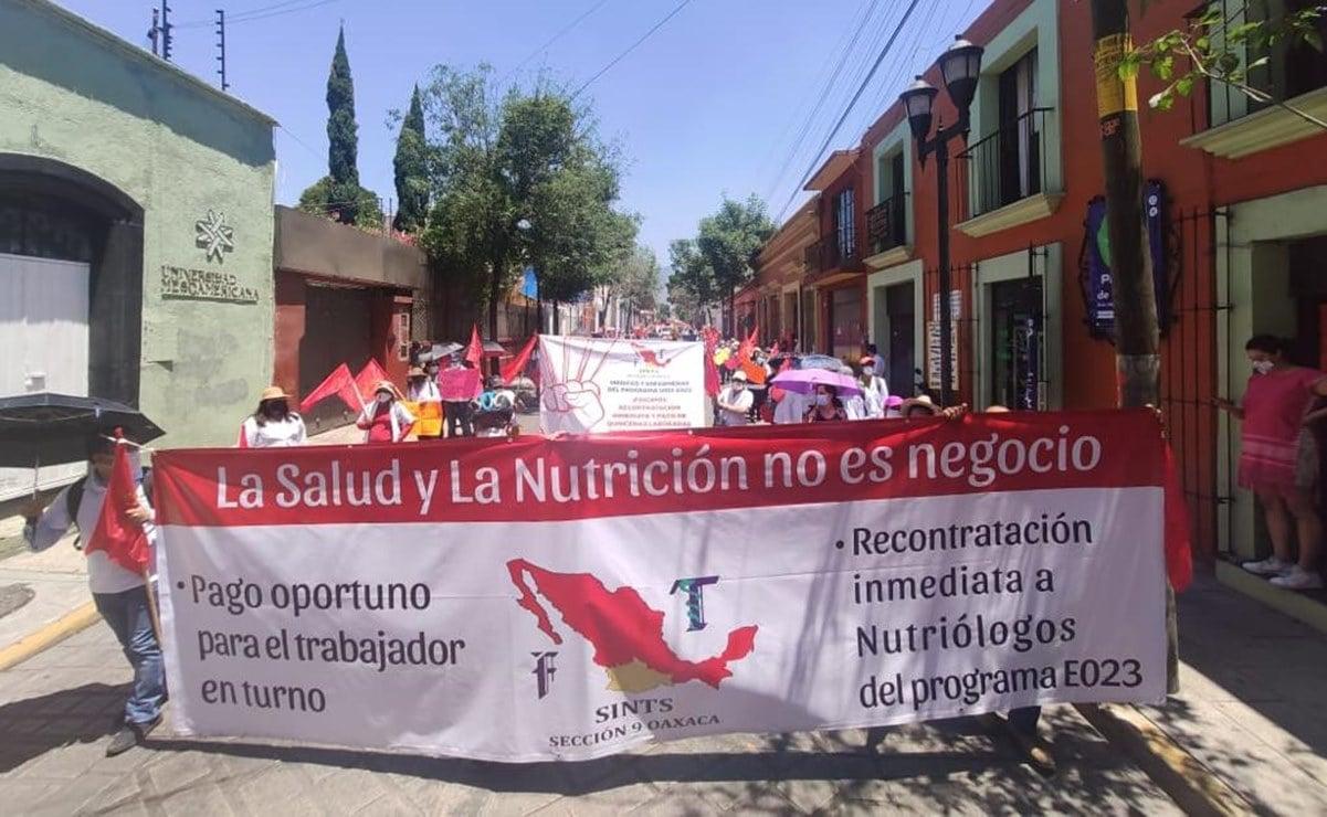 Oaxaca transita a semáforo verde de Covid-19 y se desborda de protestas en la capital y las regiones