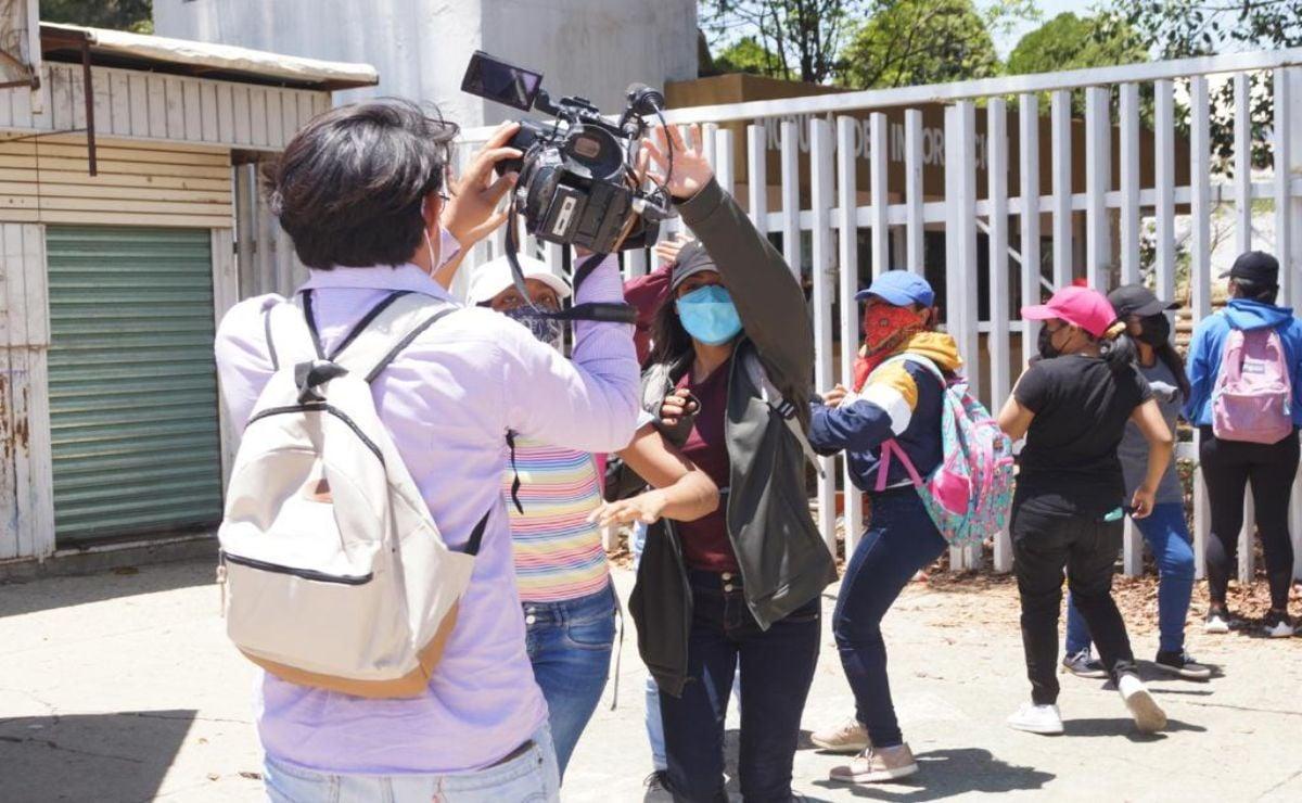 Tras agresión, asociaciones de periodistas de Oaxaca y Veracruz exigen  seguridad a Murat y AMLO | Oaxaca
