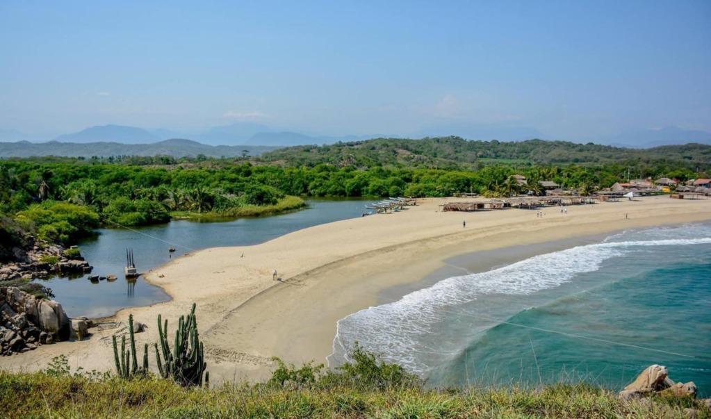 Empresario de la Costa de Oaxaca denuncian invasión de grupos políticos en terrenos de reservas ecológicas de Huatulco