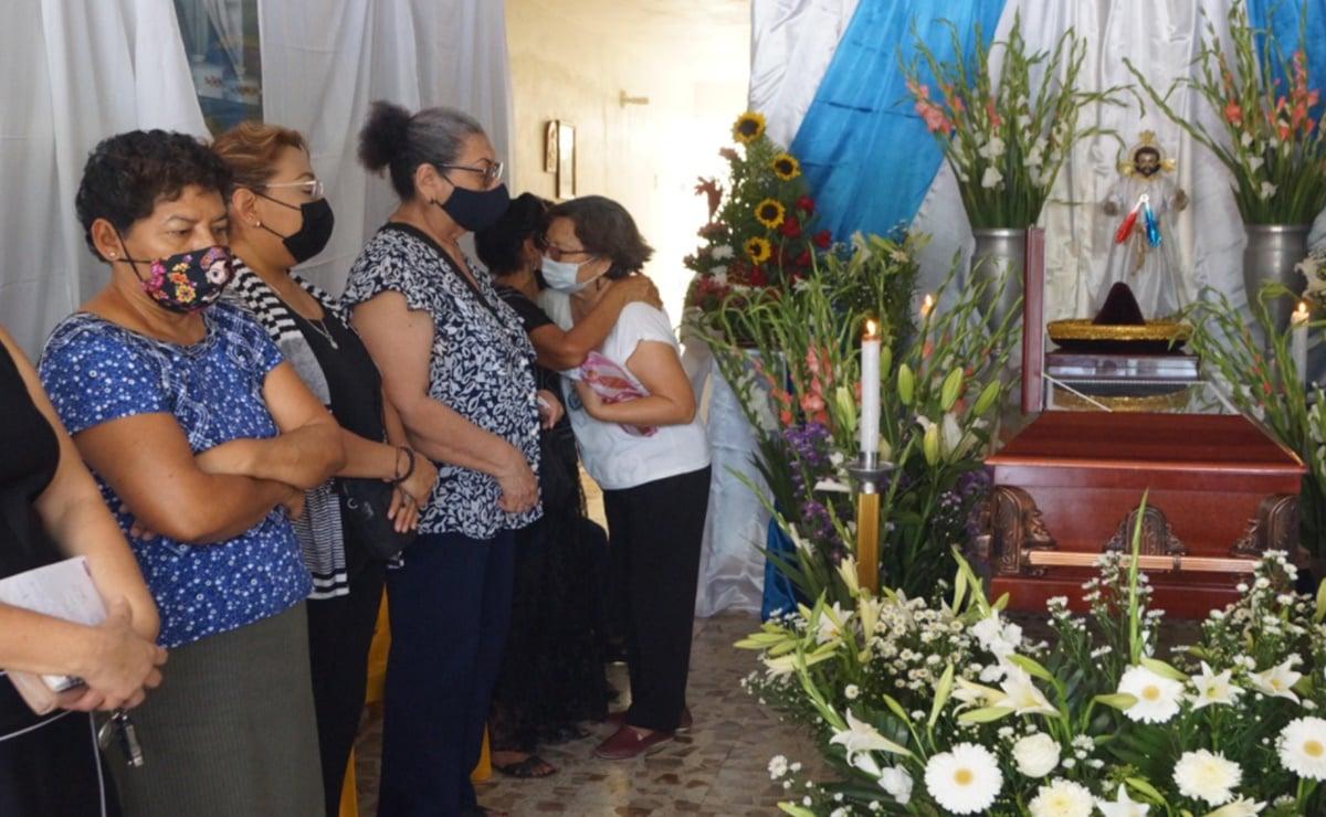 """""""Posibilidades de que la vacuna antiCovid-19 cause un efecto adverso es una en un millón"""": titular de Salud de Oaxaca"""