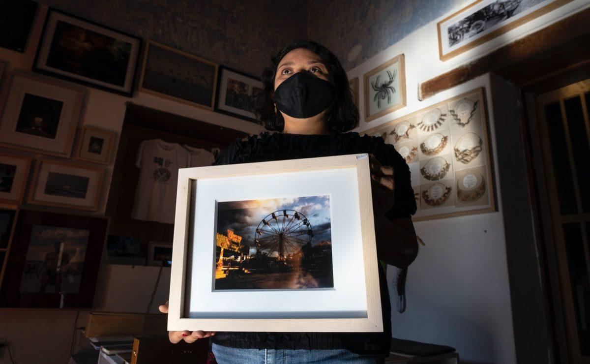 Con una pequeña caja de madera, esta fotógrafa captura la nostalgia de los sitios del Oaxaca tradicional