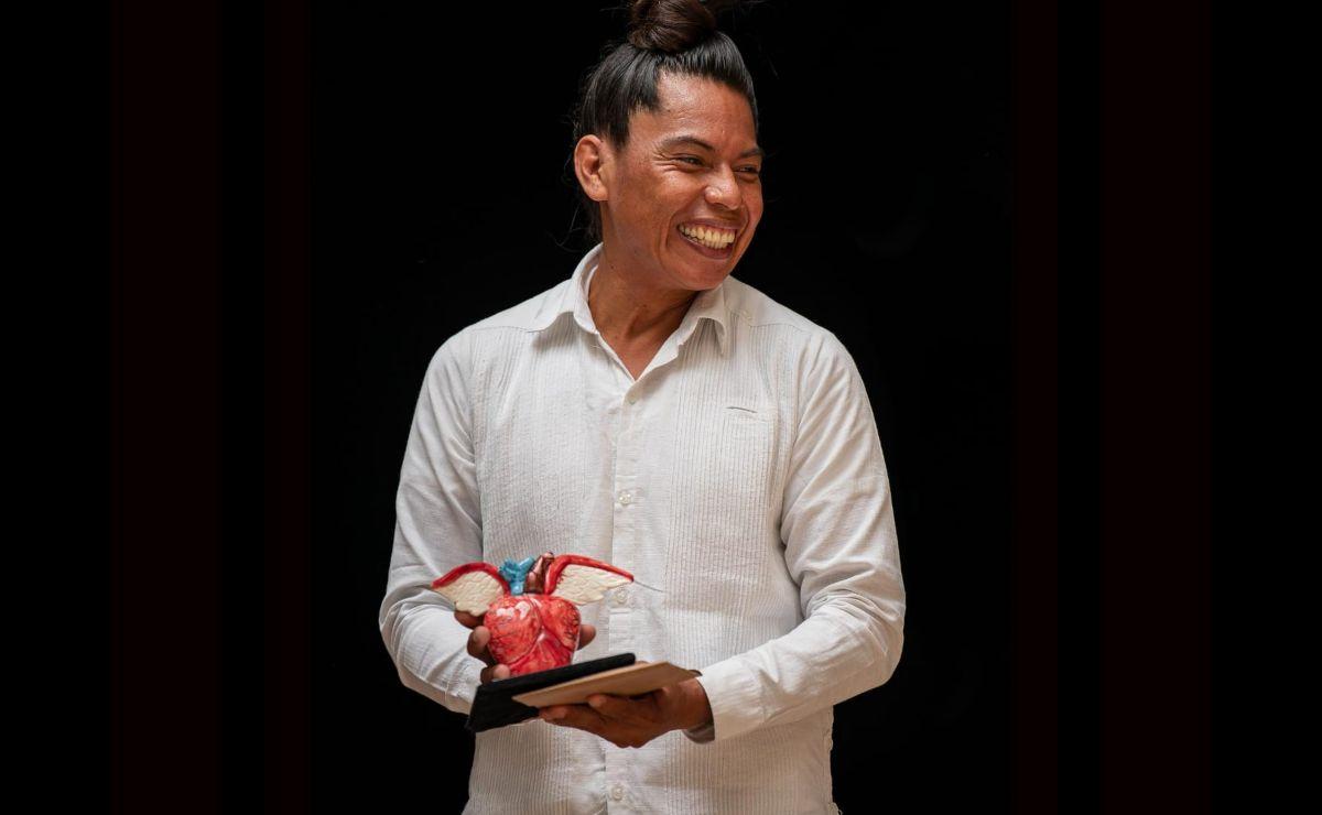 Lukas Avendaño, artista zapoteca de Oaxaca, recibe presea Travesía Escénica