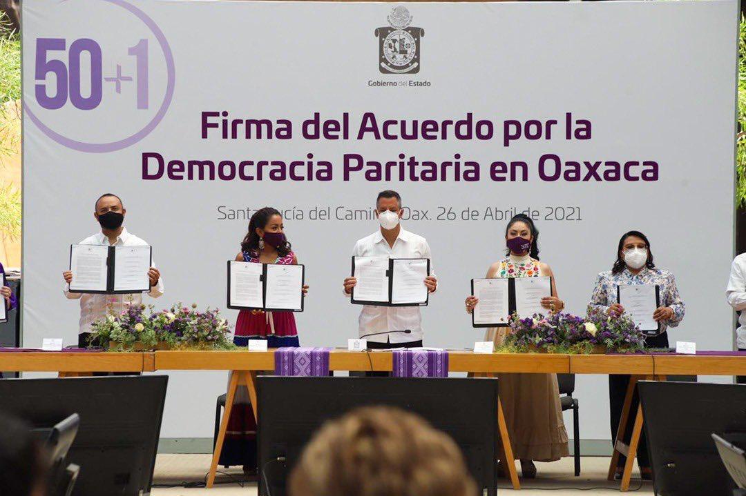 Firman Murat y Colectivo Nacional de Mujeres Acuerdo por la Democracia Paritaria en Oaxaca