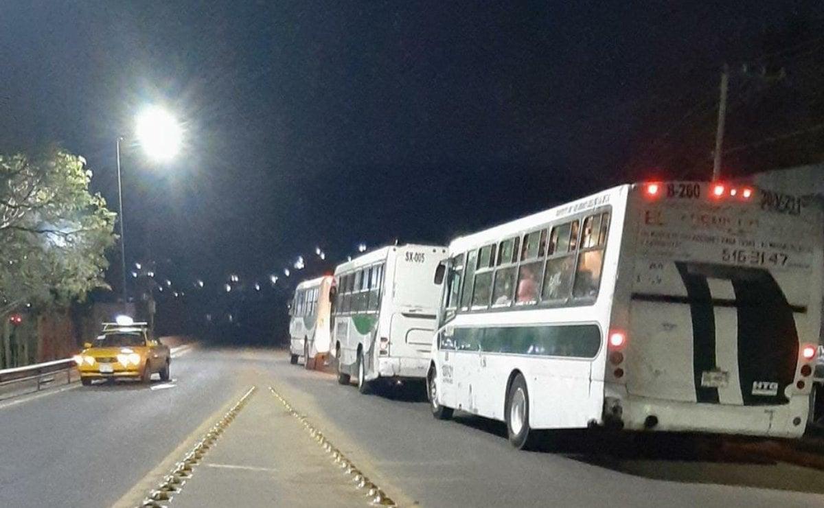 Tras 4 días de bloqueo, liberan Aeropuerto Internacional de Oaxaca; llegan a acuerdos con normalistas