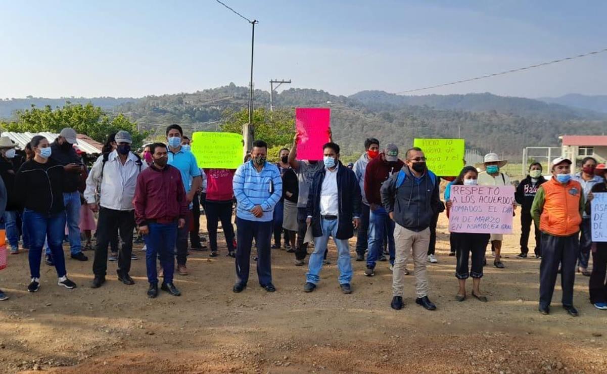 Edil de Sosola, en los Valles de Oaxaca, pide a la Federación liberar recursos para pavimentar camino