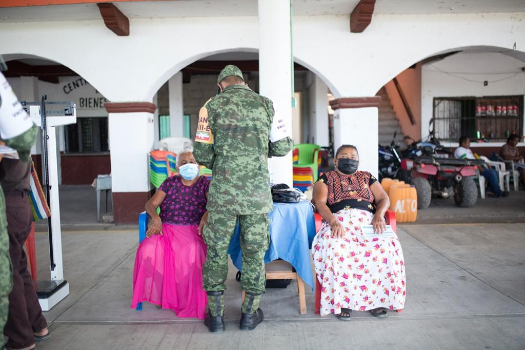 """El miedo por la vacuna """"inundó"""" a Santa María del Mar, pueblo ikoots de Oaxaca aislado por 12 años"""