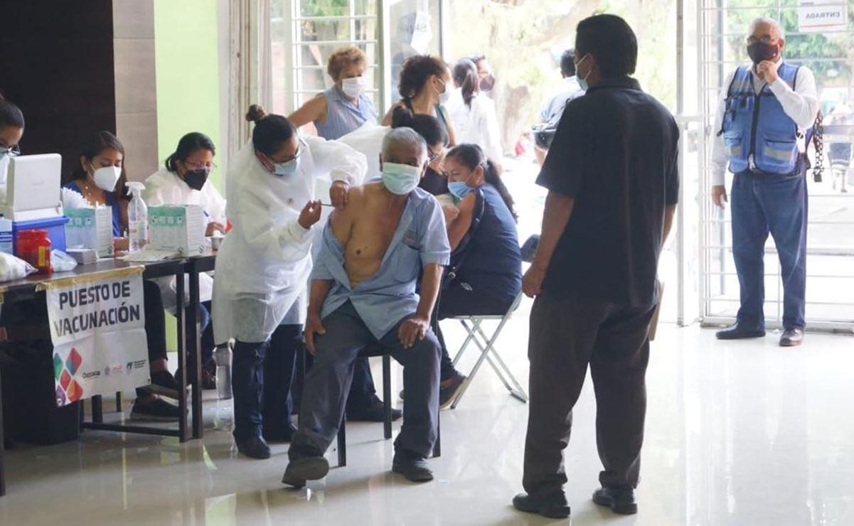 Ahora sobran vacunas anti Covid-19 en sedes de la capital de Oaxaca y falta gente