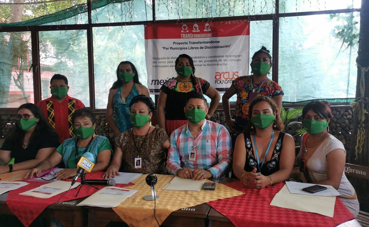 Comunidad muxe presenta a candidatos proyecto para crear consejos municipales contra la discriminación