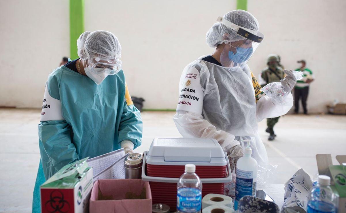 Federico se paralizó tras recibir vacuna antiCovid en Oaxaca; IMSS le da cita en neurología hasta agosto