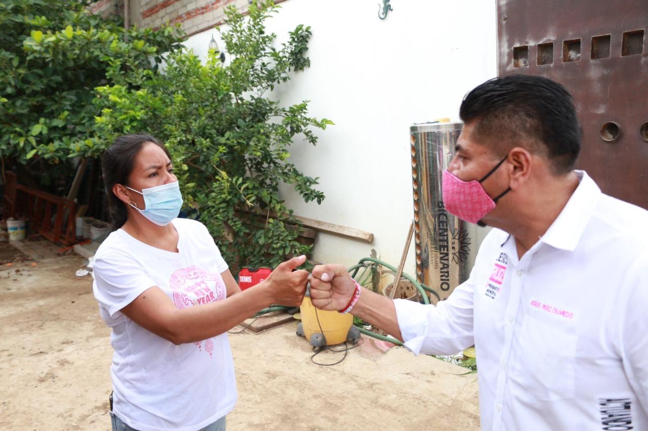 Jesús Ruiz, candidato a edil de la ciudad de Oaxaca por Fuerza por México, promueve el empoderamiento de las mujeres